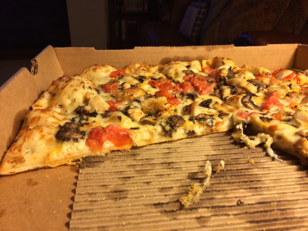 Pan Crust Round Table.Not A Thick Crust Pan Pizza Yelp
