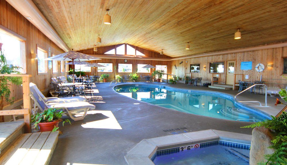 hotels near me with indoor pools and hot tub