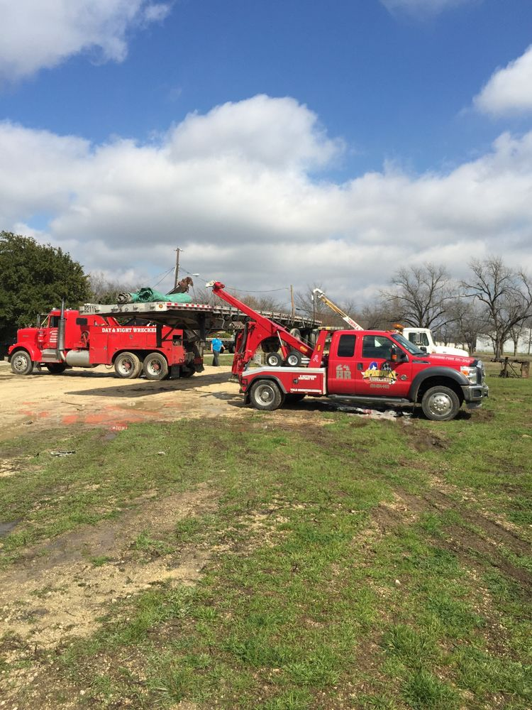 Speedway Towing: 1024 E Jefferson Ave, Whitney, TX