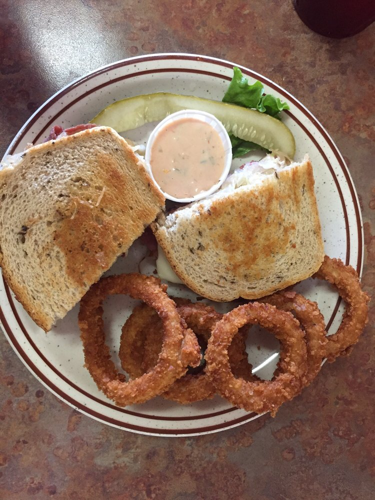 El Bambi Cafe: 935 N Main St, Beaver, UT