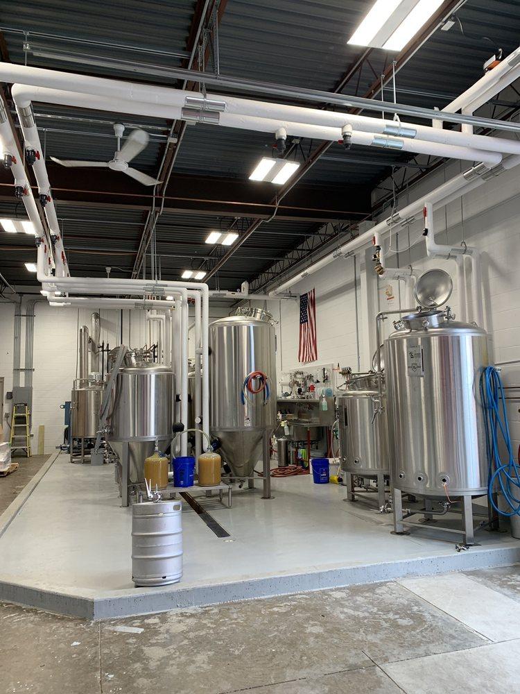 Crooked Pecker Brewing Company: 8284 E Washington St, Chagrin Falls, OH
