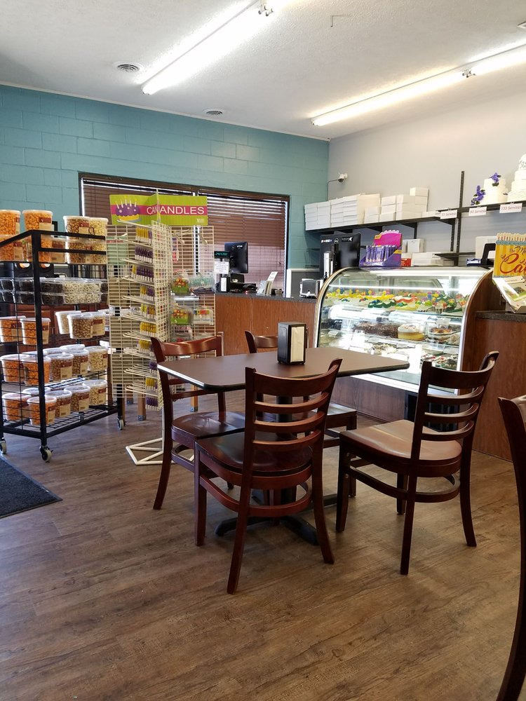 Magic Morning Bakery: 2513 16th St, Bedford, IN
