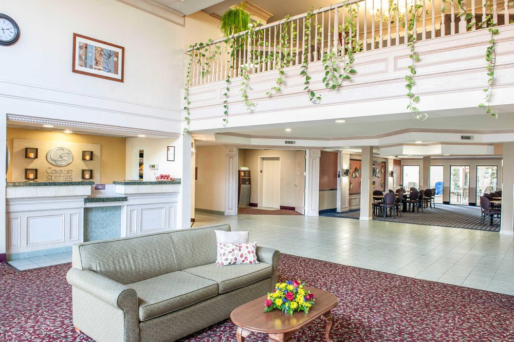 Comfort Suites South: 5775 Coventry Lane, Fort Wayne, IN