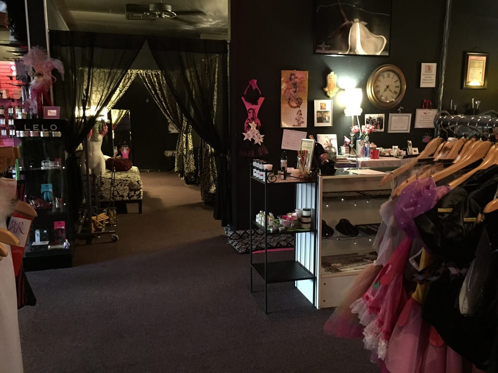 Naughty or Nice Boutique: 317 Parker St, Vacaville, CA