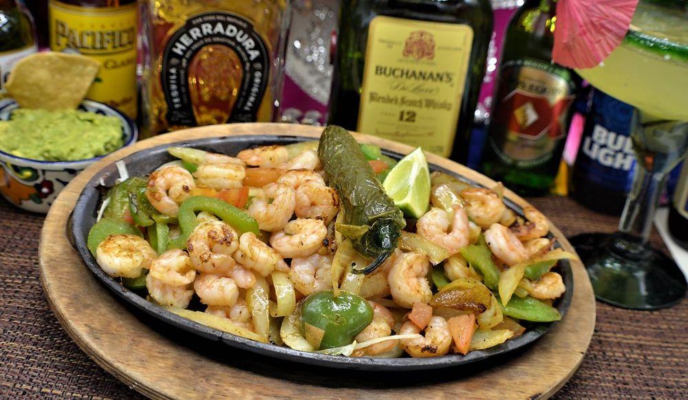 EL Jacal Mexican Grill: 903 Main St, Fort Morgan, CO