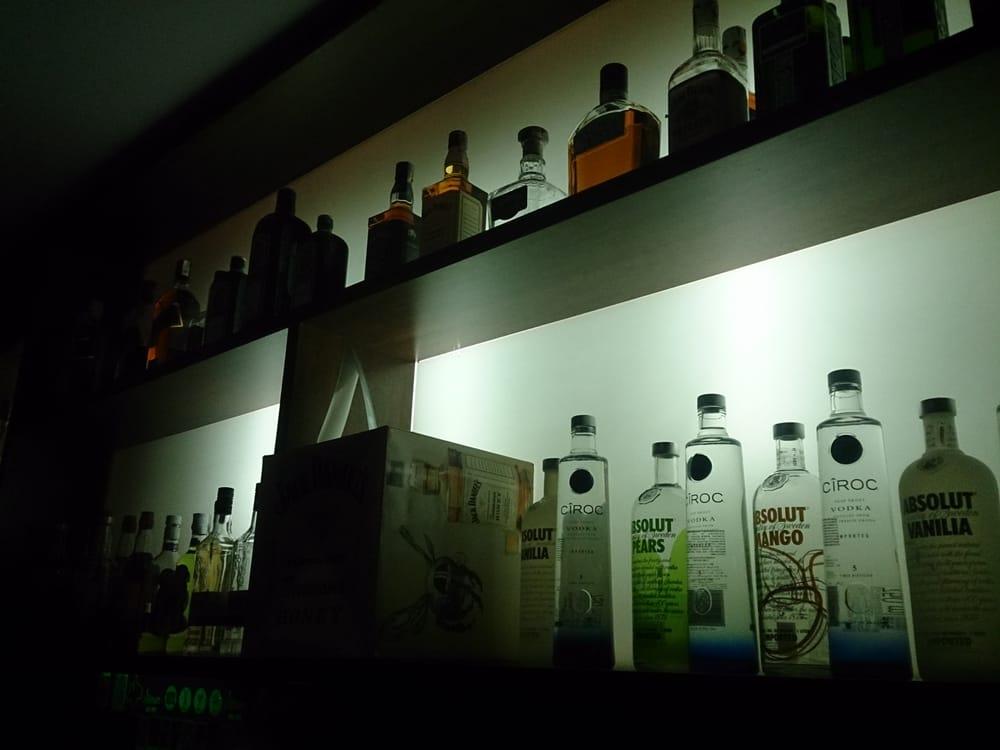 Novo James Bar