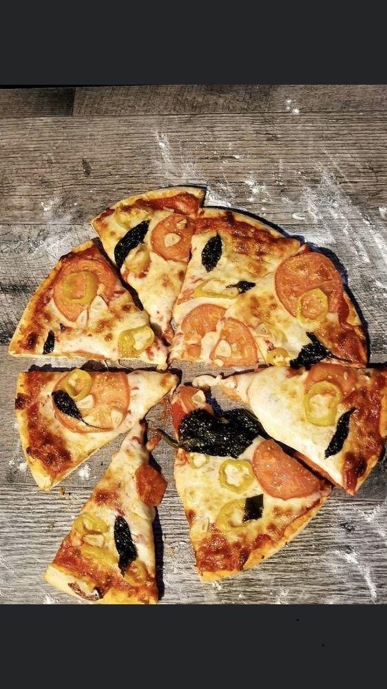 Joe's Pizza: 114 E Main St, Shelbyville, IL