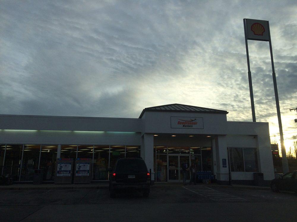 Shell/roadrunner Markets: 440 E Lee Hwy, Chilhowie, VA