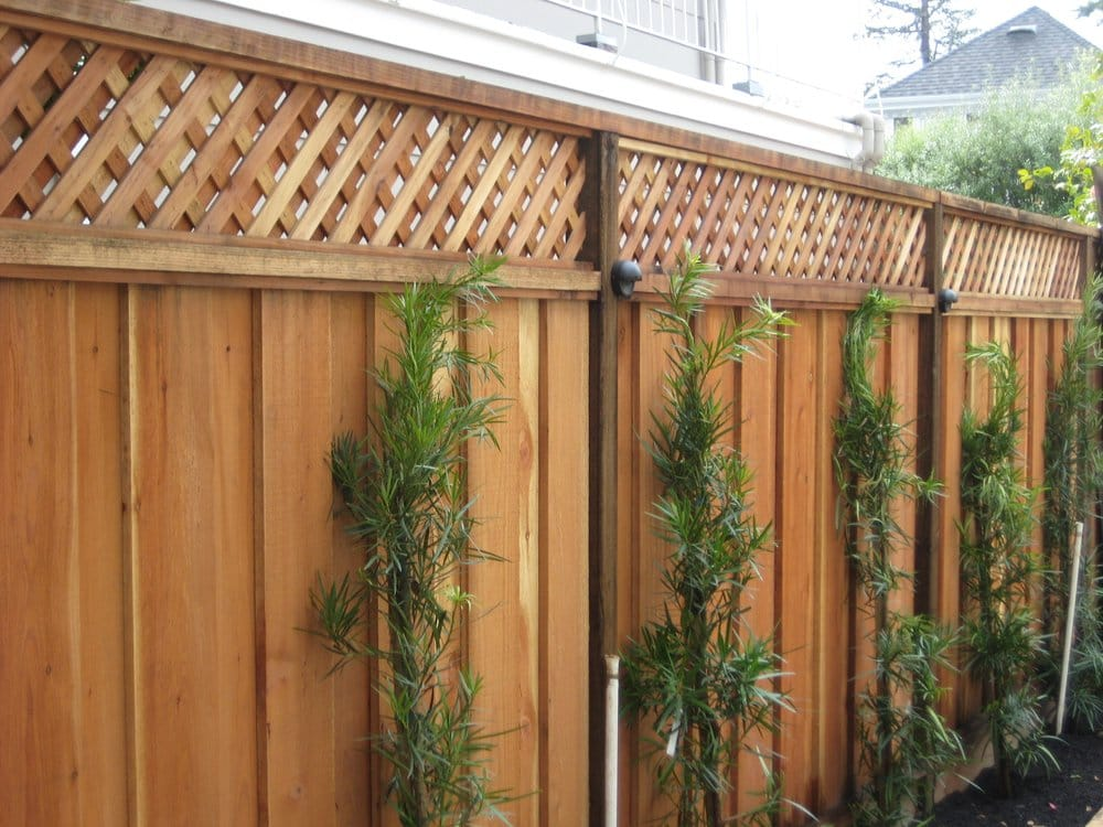 Good neighbor fence with lattice yelp for Good neighbor fence plans