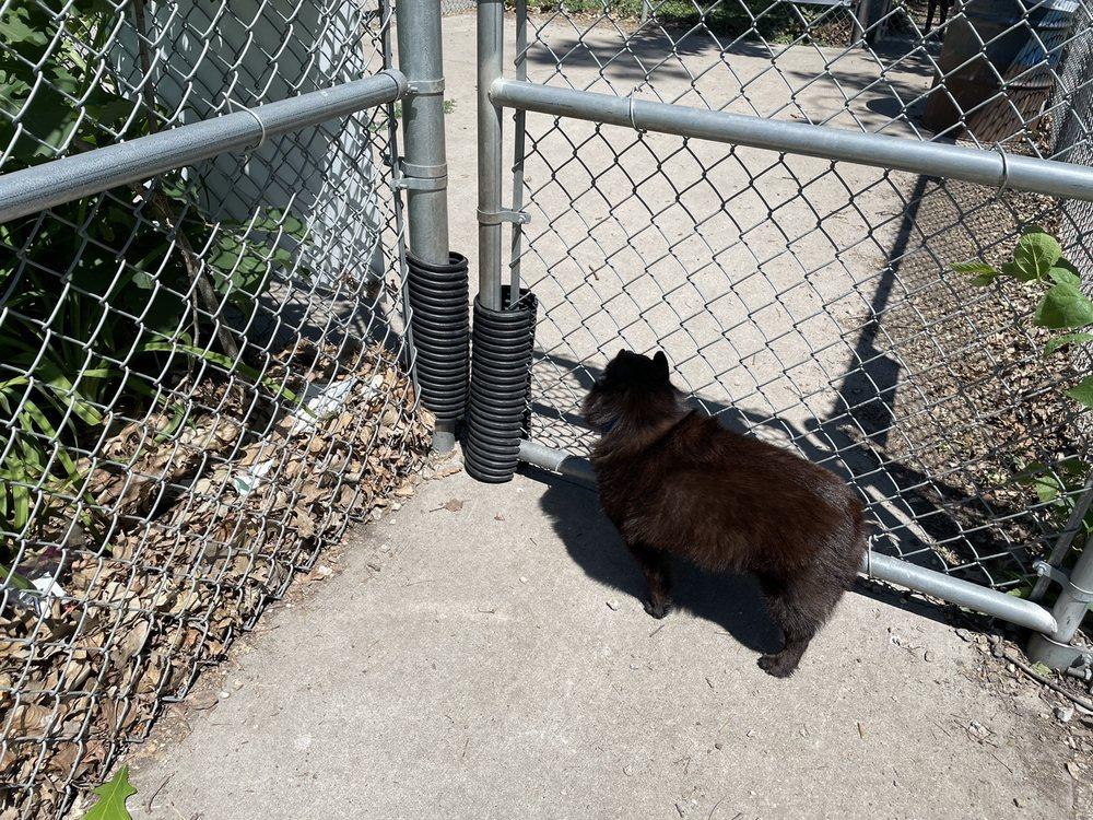 Marshalltown Dog Park: 402 Woodland St, Marshalltown, IA