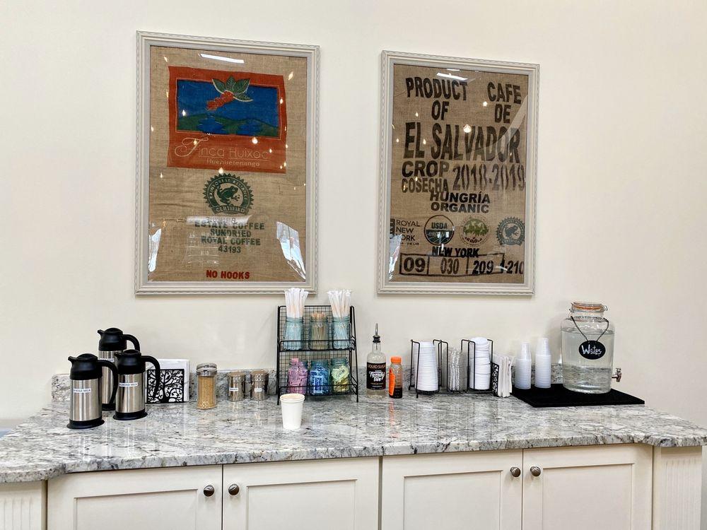Birdhouse Coffee: 765 Sullivan Ave, South Windsor, CT