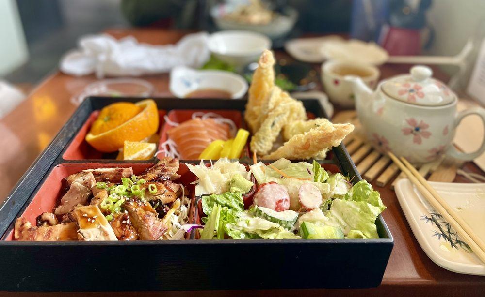 Yama Sushi Bar & Restaurant