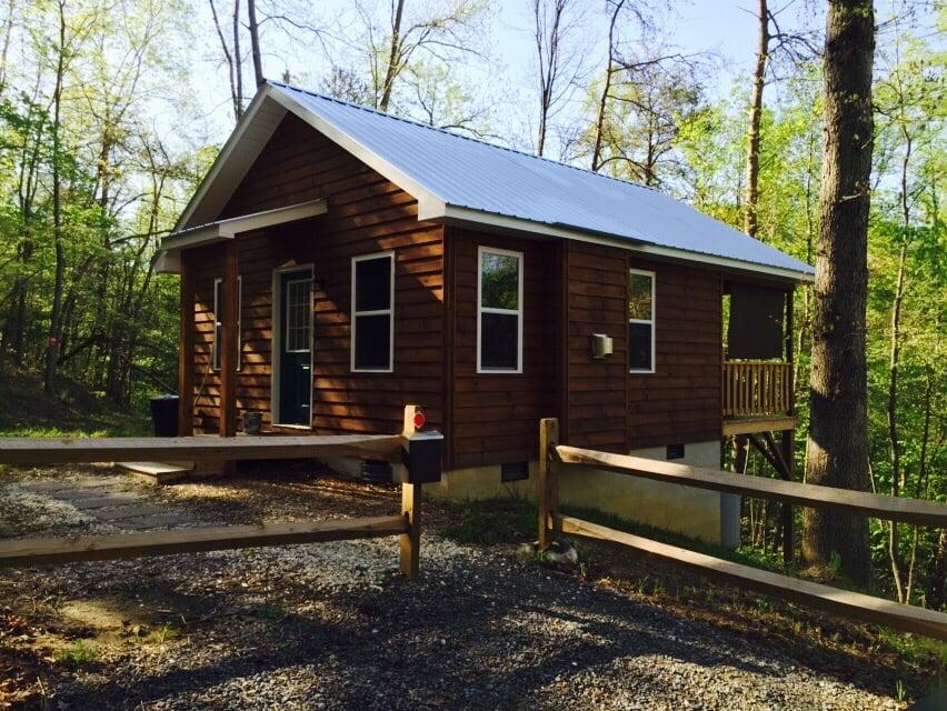 Frog Holler Cabins: 564 E Walker Dr, Elkin, NC