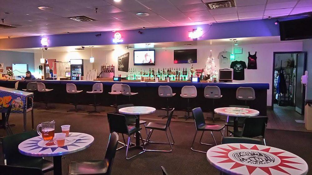 Oviedo Bowling Center: 376 E Broadway St, Oviedo, FL