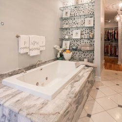 The Design Gallery Photos Shades Blinds Th Ave E - Bathroom remodel hendersonville nc