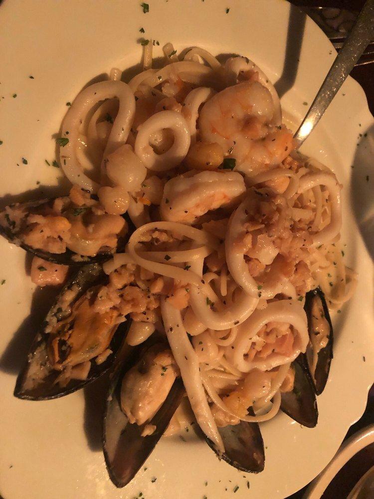 Napoli's Italian Restaurant: 4408 W Walnut, Rogers, AR