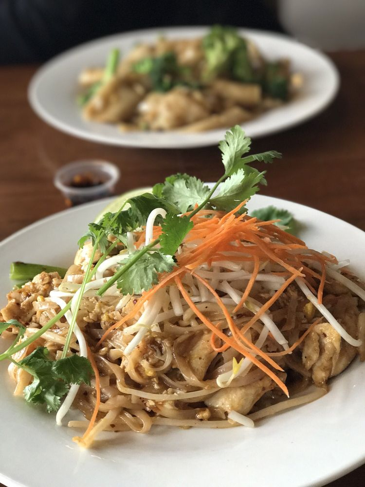 Mee Dee Thai Cuisine: 2731 N Killingsworth St, Portland, OR