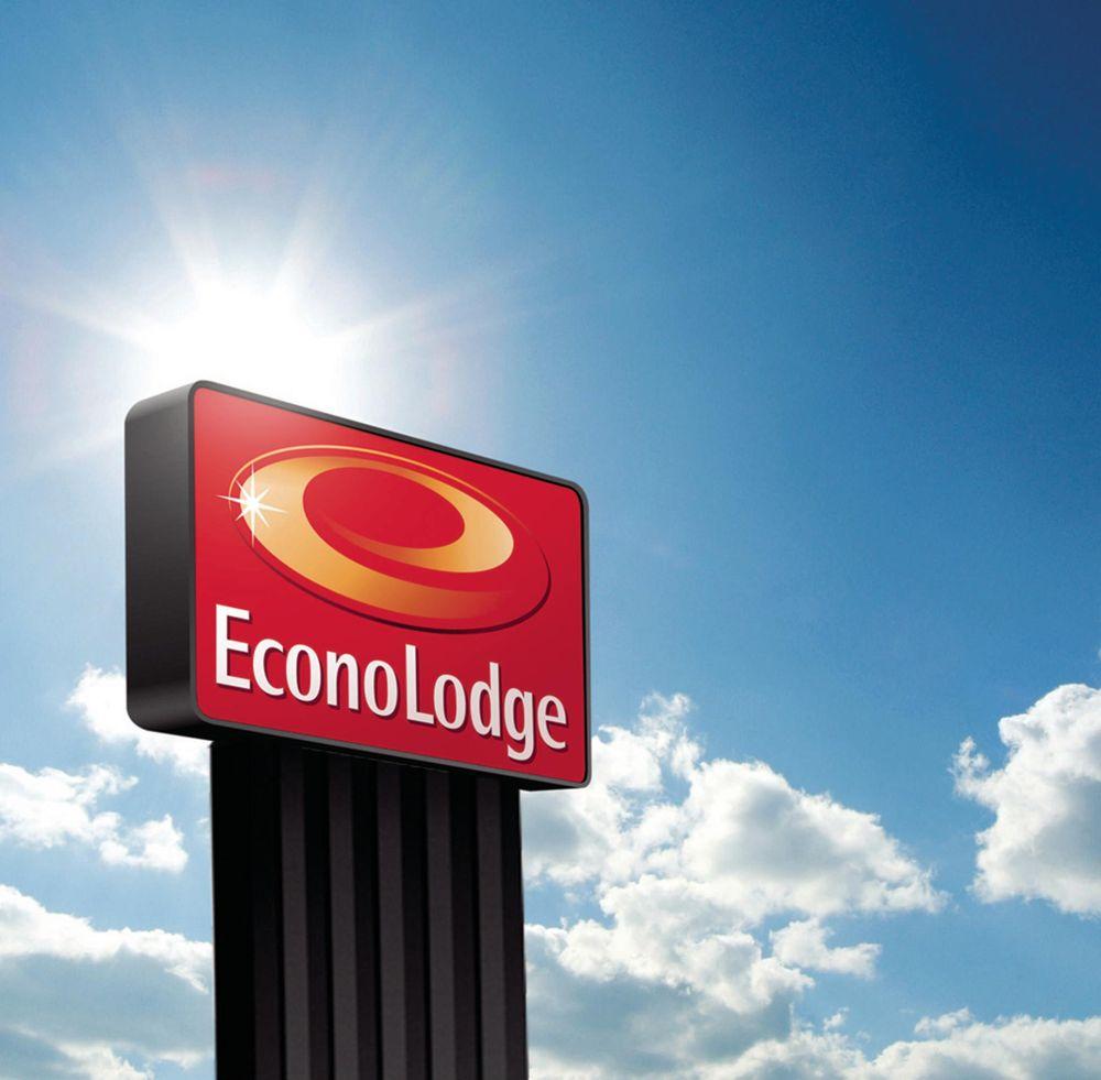 Econo Lodge: 5170 N Wingate Drive, Decatur, IL