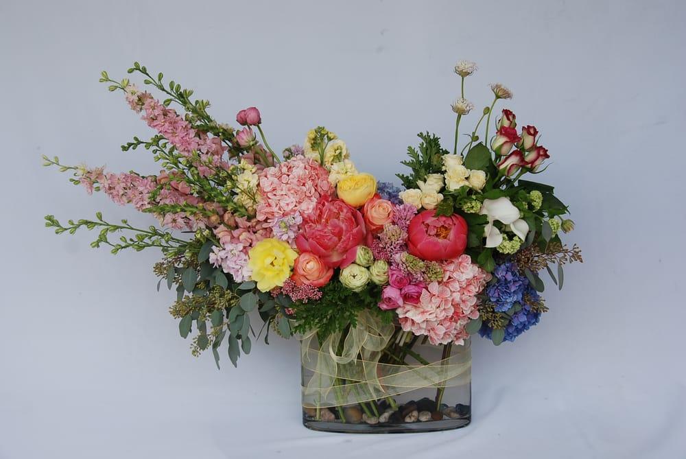 Crescenta Valley Flowers: 2900 Foothill Blvd, La Crescenta, CA