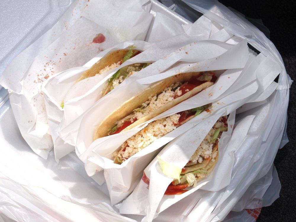 Taco Shoppe: 108 E Broadway, Monticello, IN