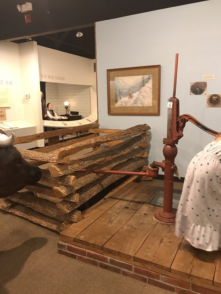 Pony Express Museum: 914 Penn St, Saint Joseph, MO