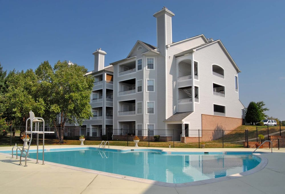 Sussex at kingstowne 17 photos 15 reviews apartments - One bedroom apartments alexandria va ...