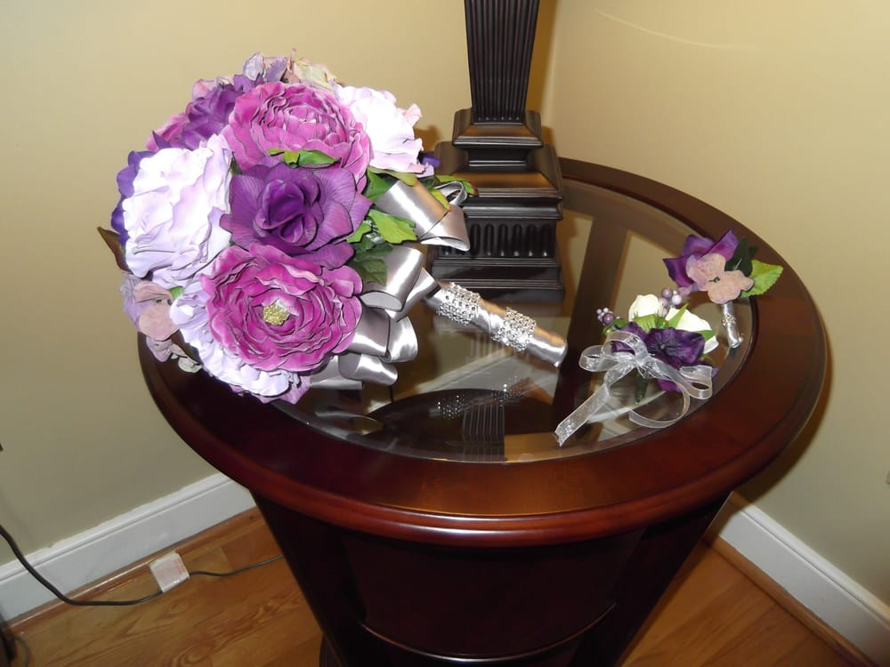 Our Flowers I Made Posed On The Night Stand Of The The Azalea Suite Yelp