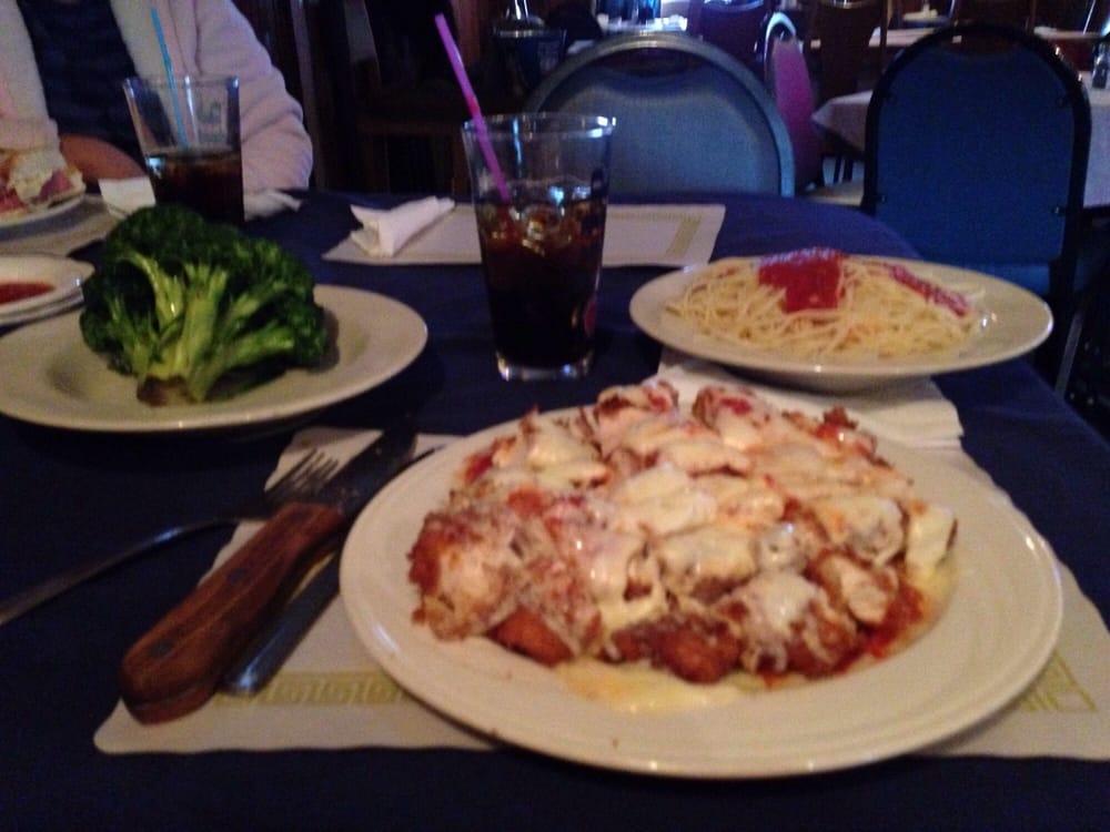 Richmond Hotel Bar And Grill: 8491 Delaware Dr, Bangor, PA