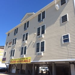Photo Of Misquamicut Beach Front Inn Westerly Ri United States Edificio De
