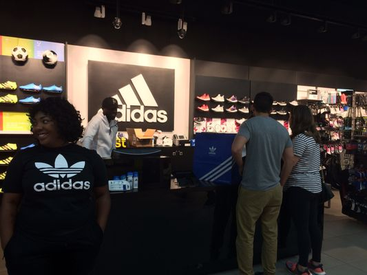 adidas Store 8070 Tysons Corner Center 2nd Floor McLean, VA Sportswear Mens  Manufacturers - MapQuest
