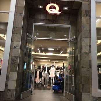 Q clothing store website