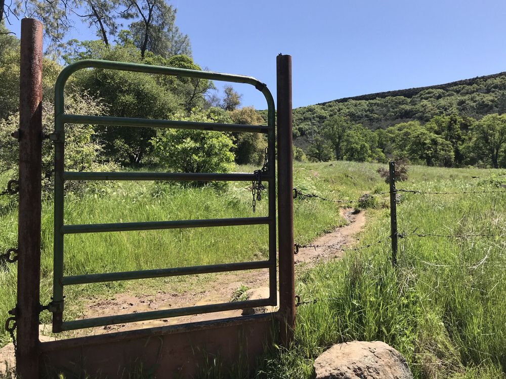 Table Mountain: 17926-17902 Shell Rd, Jamestown, CA