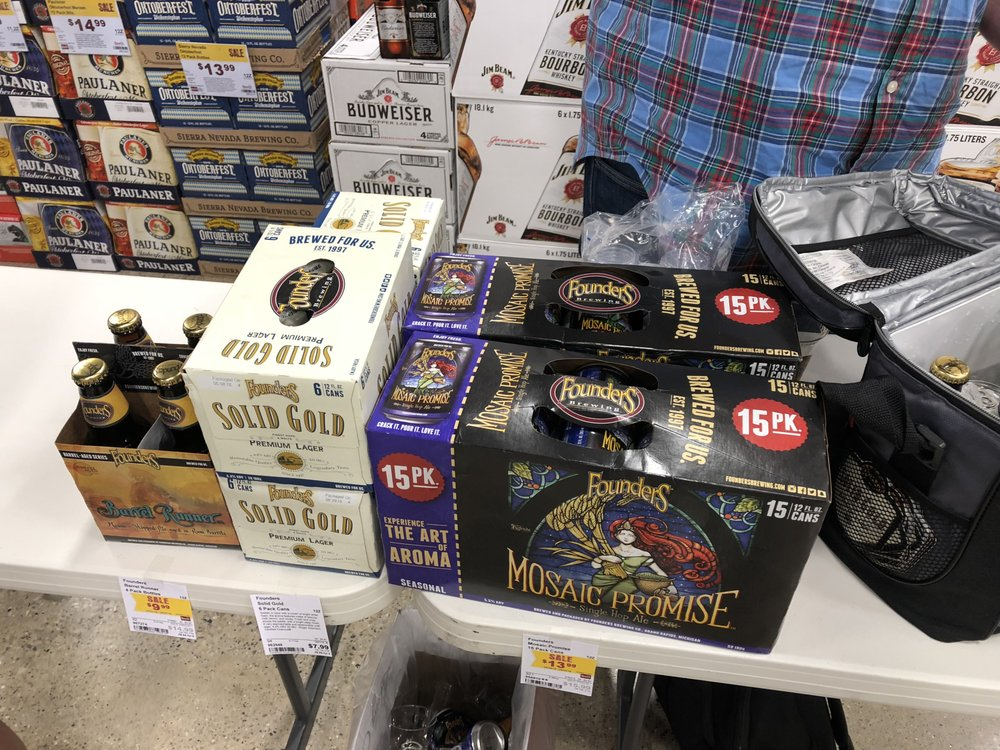 Binny's Beverage Depot - Lincolnwood: 7175 N Lincoln Ave, Lincolnwood, IL