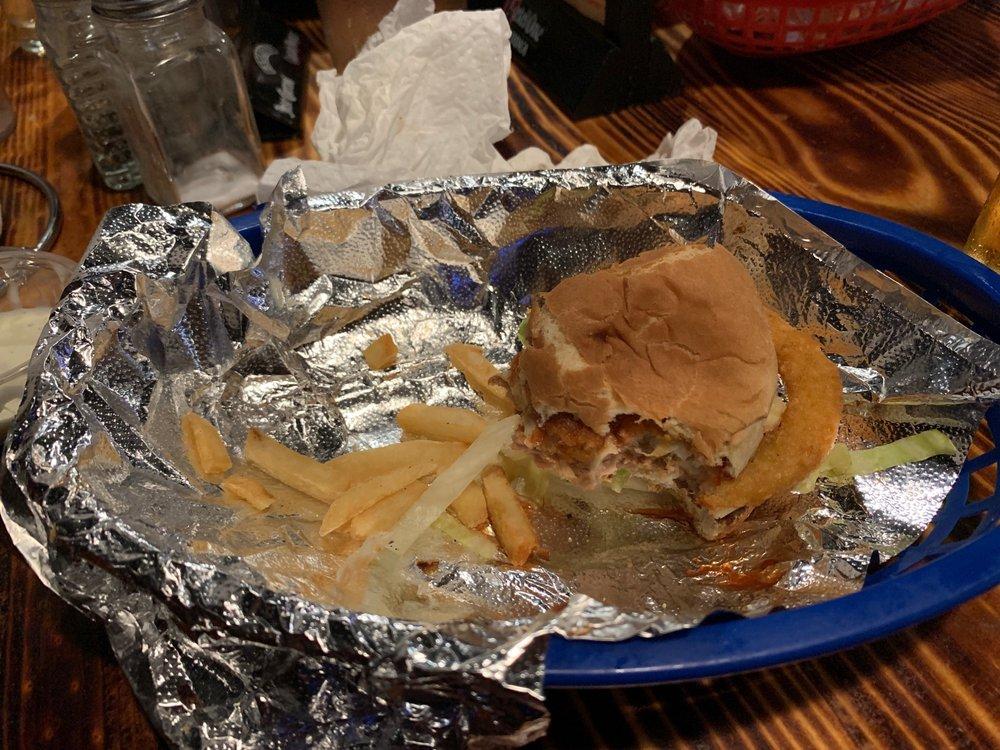 Dillon's Burgers & Beers: 64647 Dillon Rd, Desert Hot Springs, CA