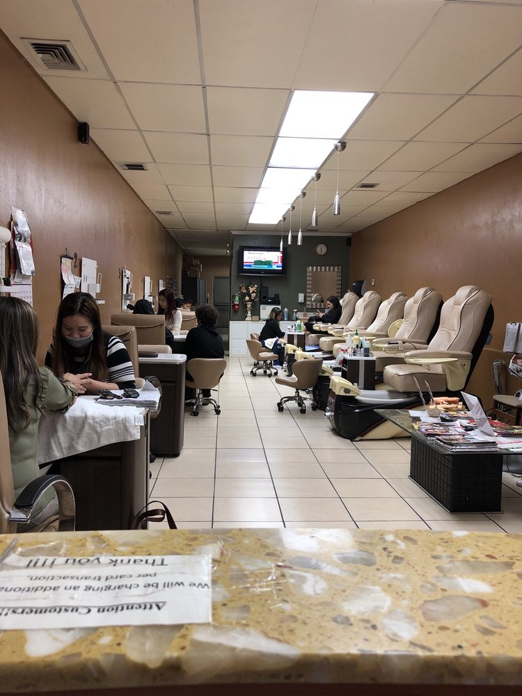 Classy Nails & Spa: 428 Sutter St, Jackson, CA