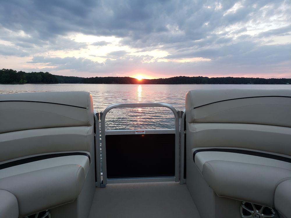Lake Hartwell Boat Tours: Lavonia, GA