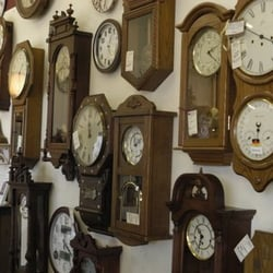 Clock showroom near me