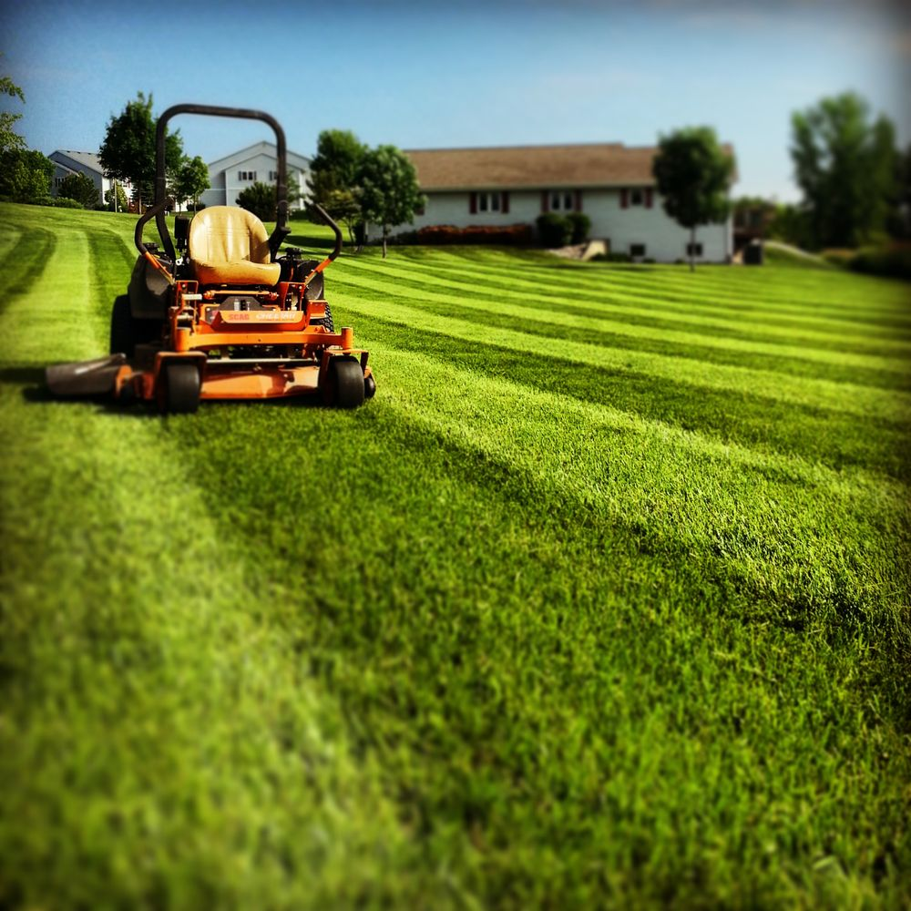 Puls Tree & Lawn Care: 1056 N Main St, Mayville, WI