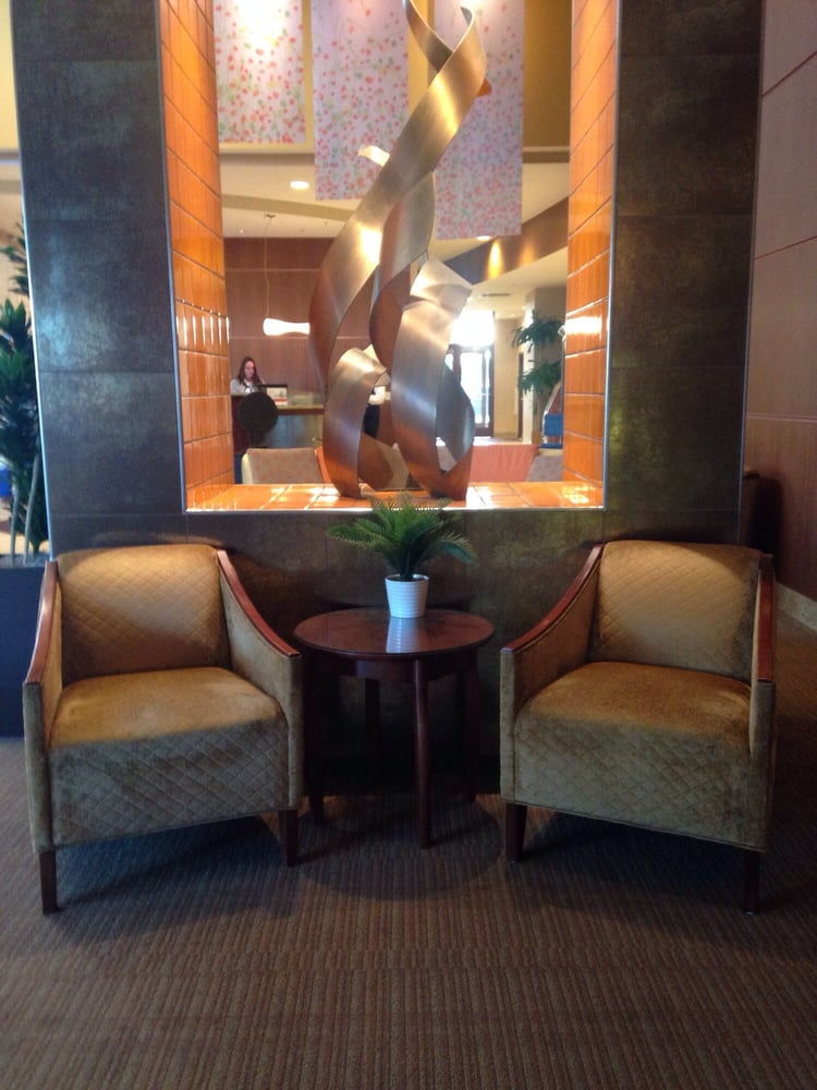 crowne plaza milwaukee west 21 photos 33 reviews. Black Bedroom Furniture Sets. Home Design Ideas