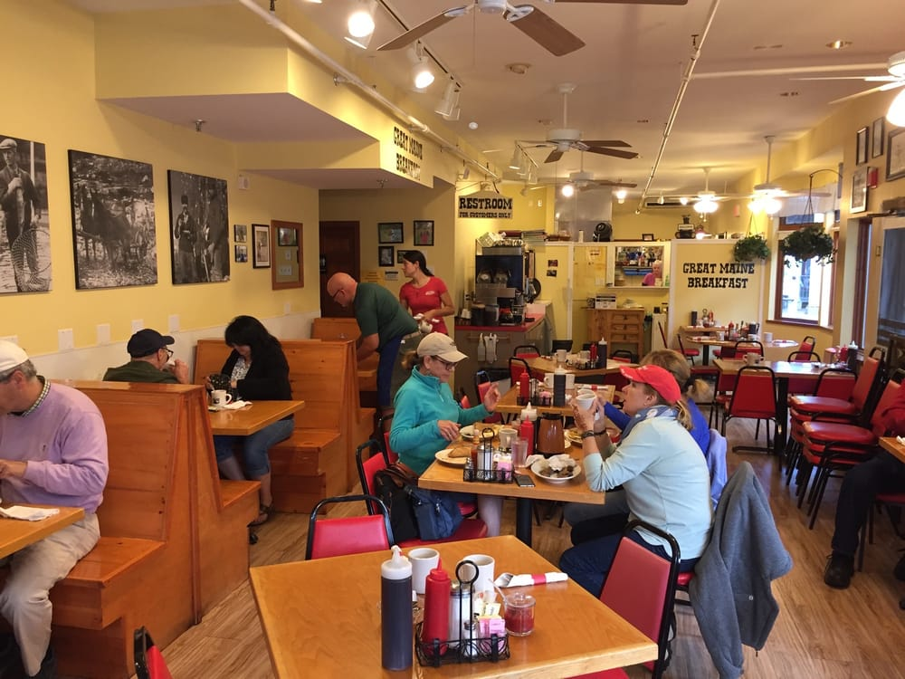 Jeannie s great maine breakfast 122 photos 323 reviews for Food bar harbor me