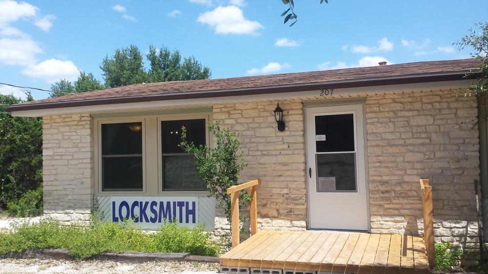 A Locksmith Jo Jo's Lock & Safe: 207 Whippoorwill St S, Lakeway, TX