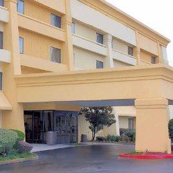 Photo Of Baymont By Wyndham Texarkana Ar United States Inn