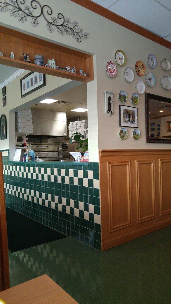 Pizzeria Dimeo: 2499 S Dupont Blvd, Smyrna, DE