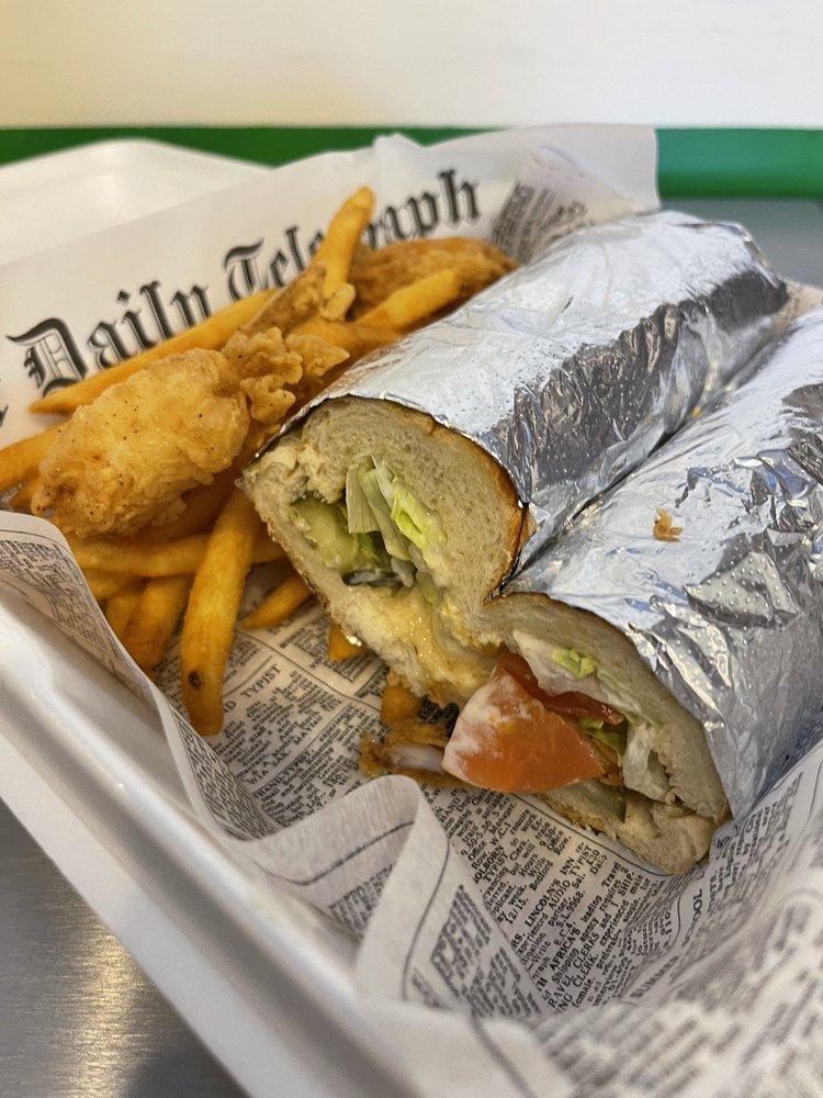 Kajun Seafood: 29 Main St, Dawsonville, GA