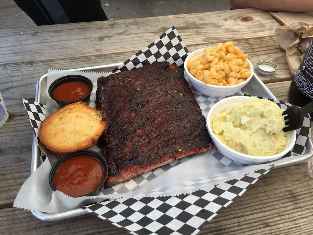 Just Q'in Barbeque: 6901 Valley Ln, Newtown, OH