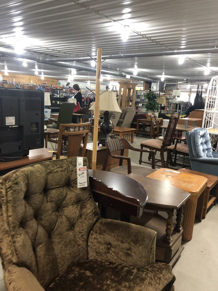 New 2 You Consignments: 2719 E SD Hwy 50, Vermillion, SD