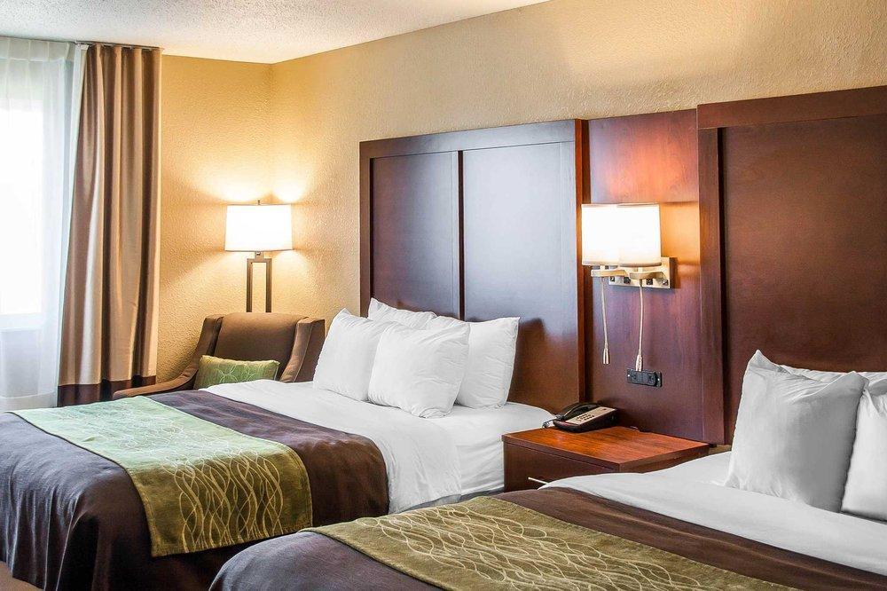 Comfort Inn: 425 Western Ave, Fergus Falls, MN