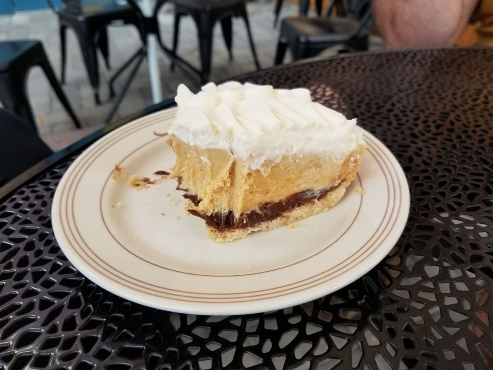 Hayday Bake And Brew: 215 W 3rd Ave, Ellensburg, WA