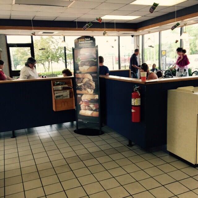 McDonald's: 1503 N Park St, Alexandria, IN