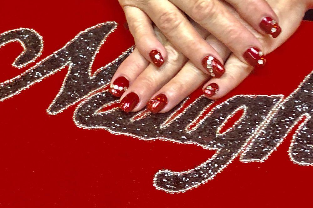 20 Nails: Sola Salons, Jacksonville, FL